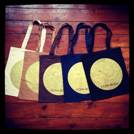 Gold_tote_bags_pic